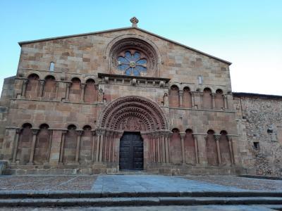 SORIA GUIADA: Visita Guiada-Érase una vez una fachada románica (Santo Domingo)
